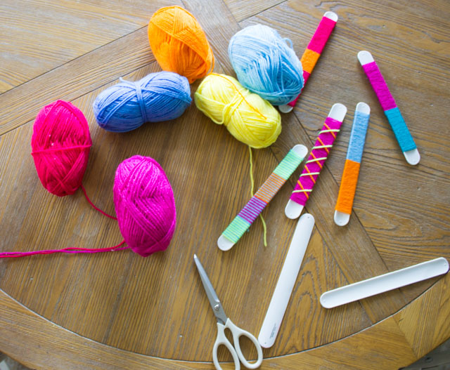 diy-yarn-wrapped-slap-bracelets-kids-craft-idea-6